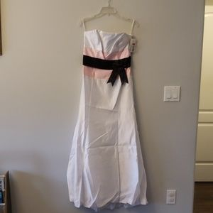 NWT. Jessica McClintock formal dress.